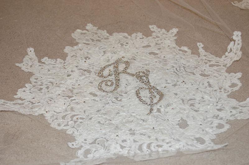 Raiza's veil close